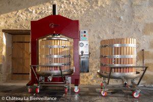 Label Voyageuse - Gazette des Vignes - Château La Bienveillance